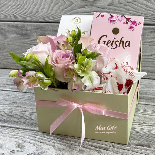 Подарочный набор с цветами «Иветта»