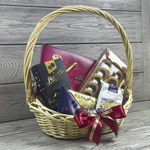 Подарочная корзина «Мир сладостей»