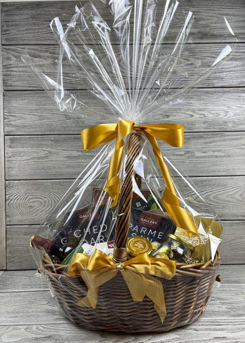 Подарочная корзина «Вкусняшки для радости»