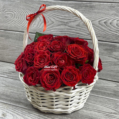 Корзина с цветами «Ольга»