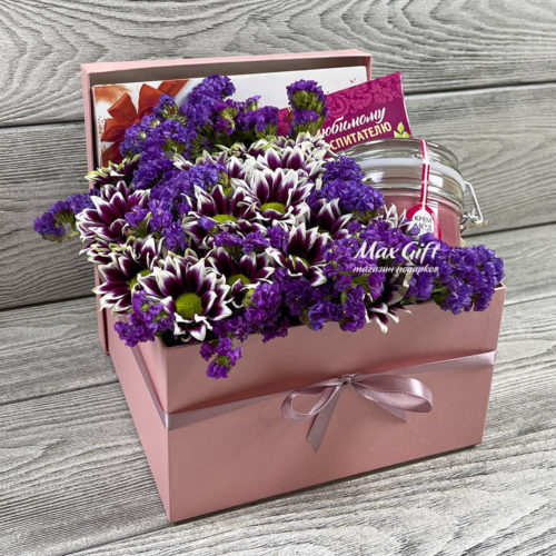 Подарочный набор с цветами «Воспитателю»
