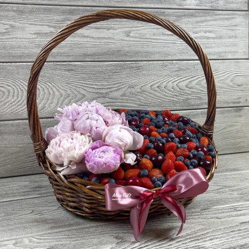 Ягодная корзина с цветами «Июнь» - XL