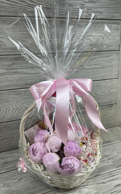 Подарочная корзина с цветами «Пионы»
