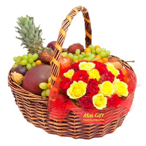 """Фруктовая корзина с цветами """"Женское счастье"""""""