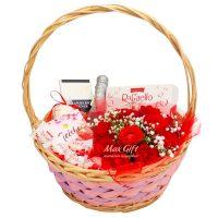 """Подарочная корзина с цветами """"Букет роз"""""""