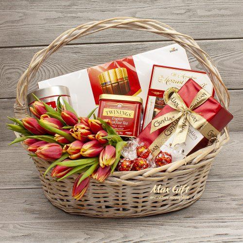 Подарочная корзина с цветами «Весеннее счастье»