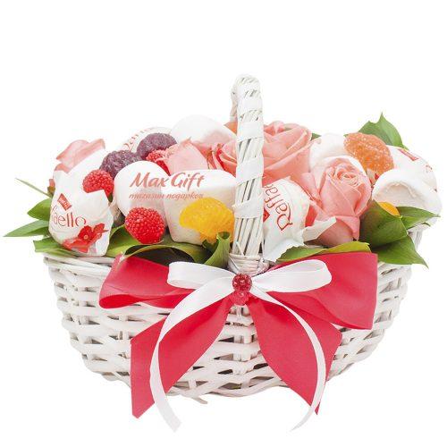 Подарочная композиция с цветами «Сеньорита»