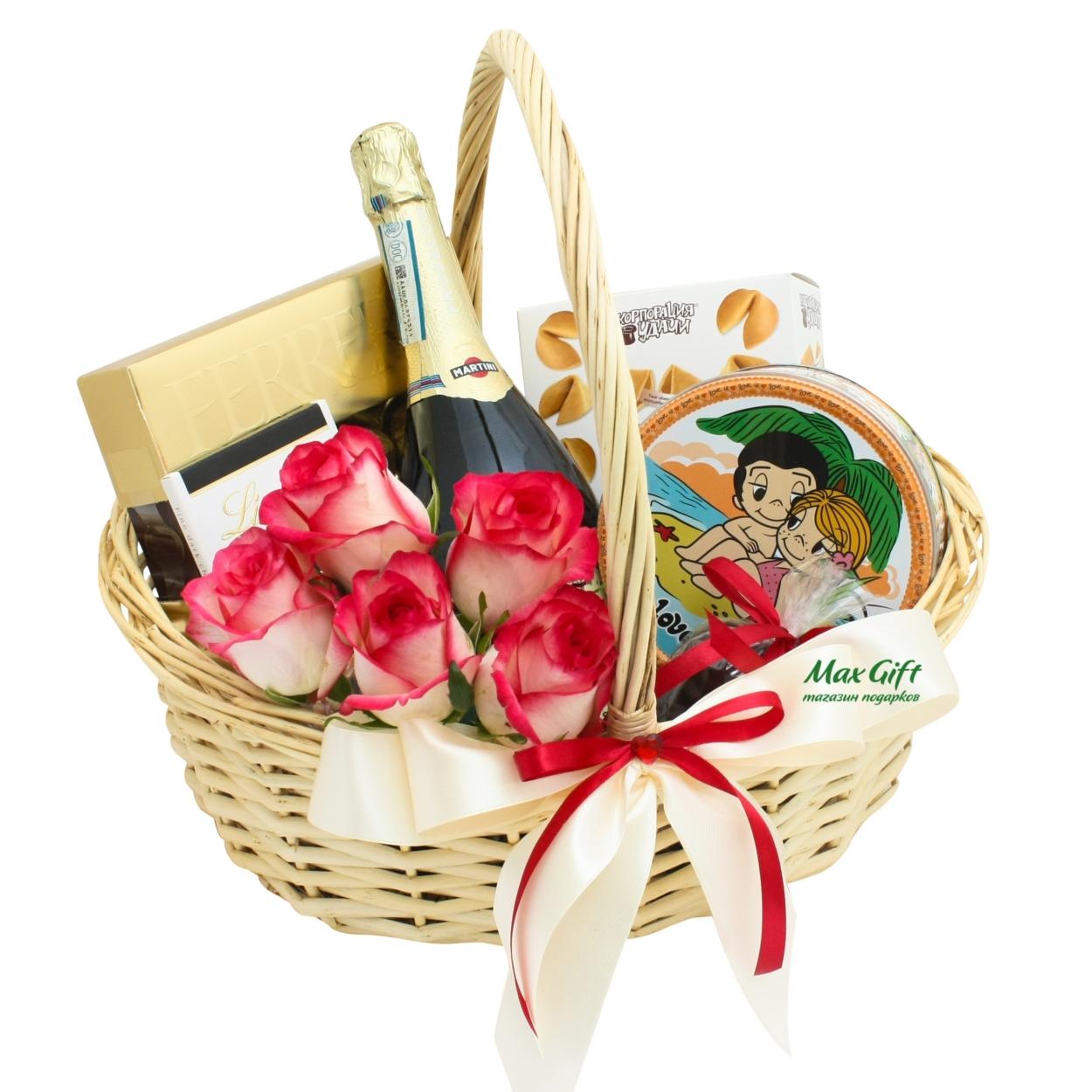 """Подарочная корзина с цветами """"Love is..."""""""