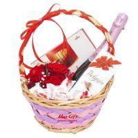 Подарочная корзина с цветами «Милашка»