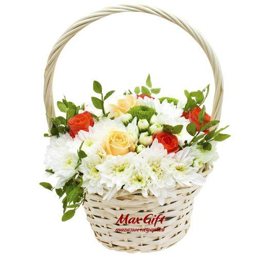 Корзина с цветами «Цветочный презент»