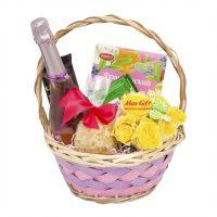 Подарочная корзина с цветами «Летние ароматы»