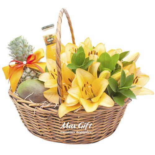 Подарочная корзина с цветами «Цветочная симфония»