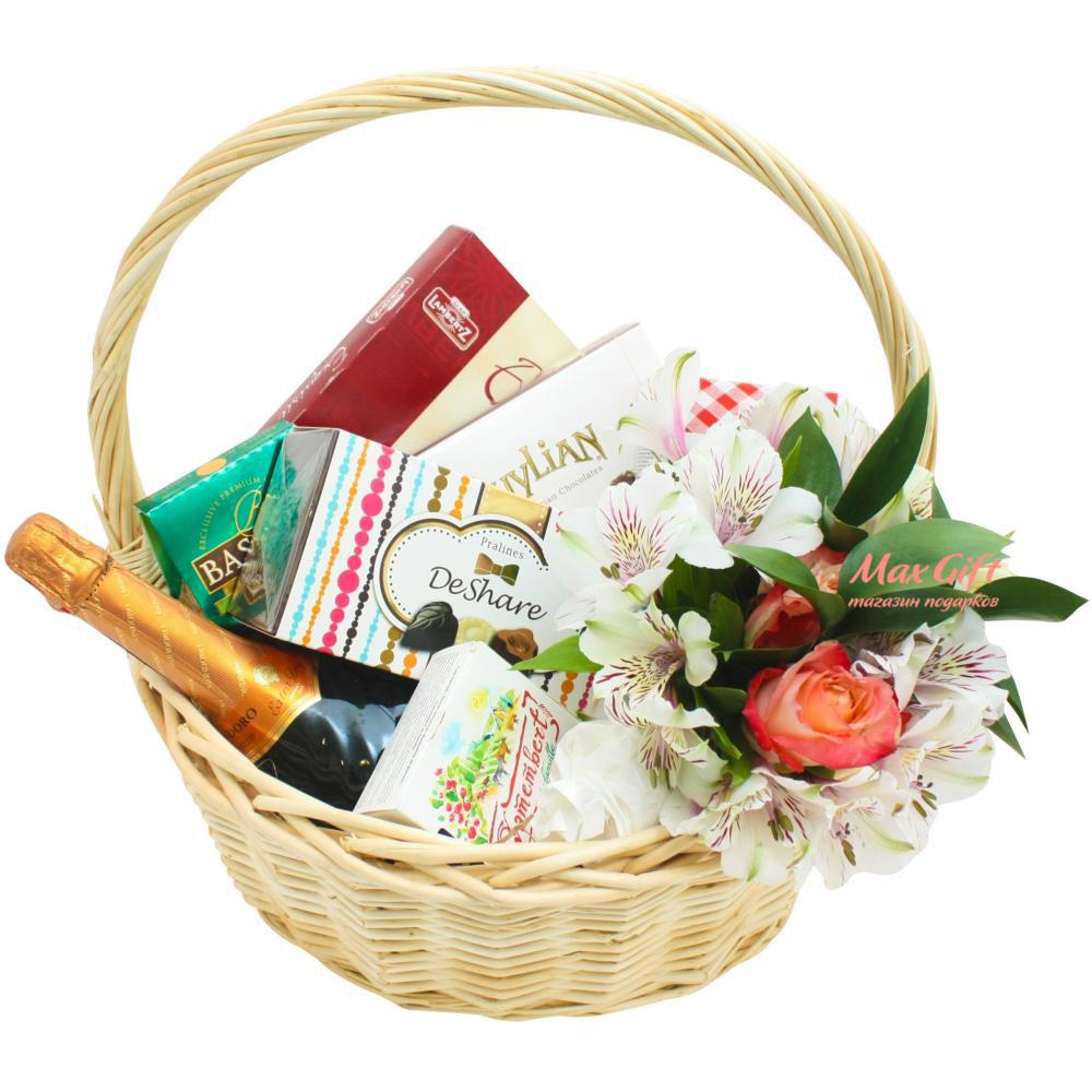 Подарочная корзина с цветами «Дешарэ»