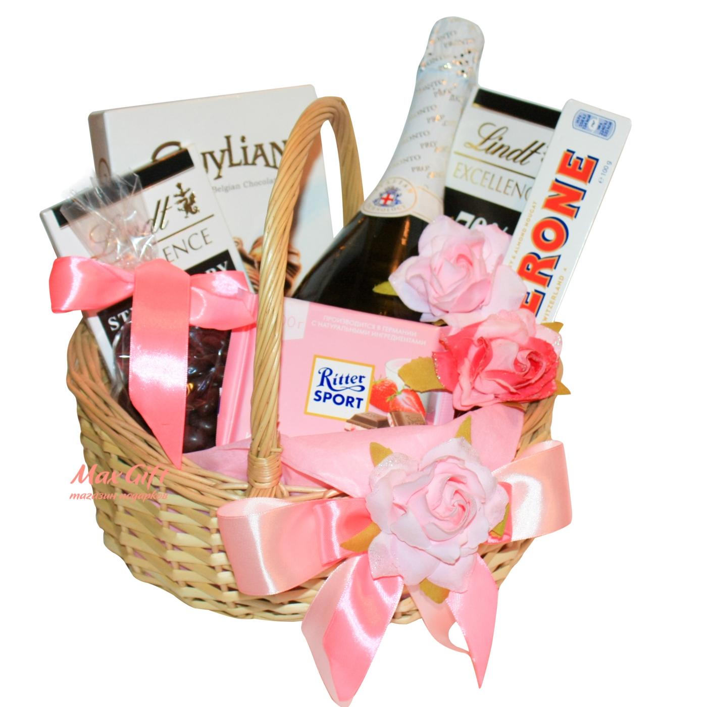 Корзина подарков для девушки 29