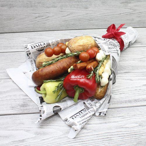 Букет из овощей, колбасы и сыра «Подарок папе»