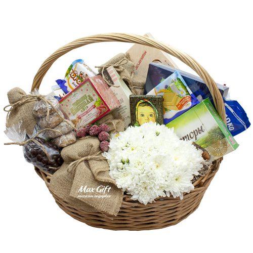 Подарочная корзина с цветами «Русские традиции»