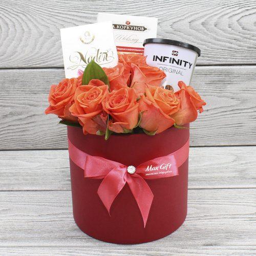 Подарочный набор с цветами «Бесконечность»
