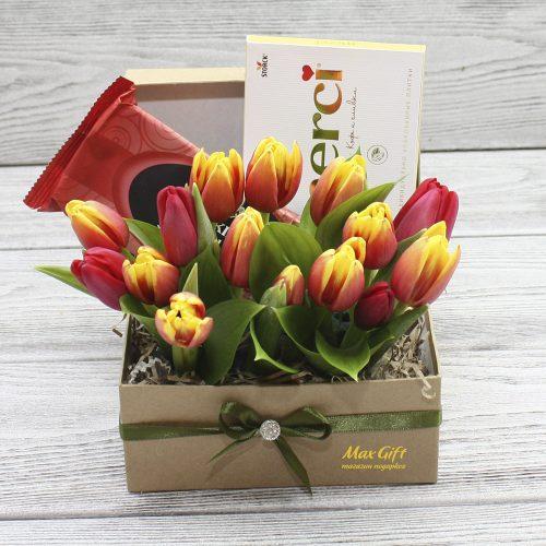 Подарочный набор с цветами «Весенний презент»