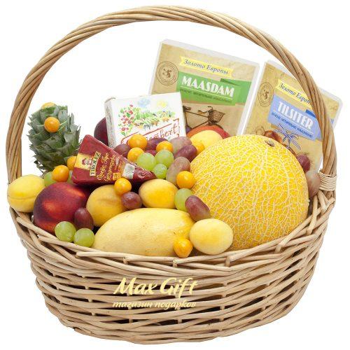 Подарочная корзина с фруктами «Сезонная»