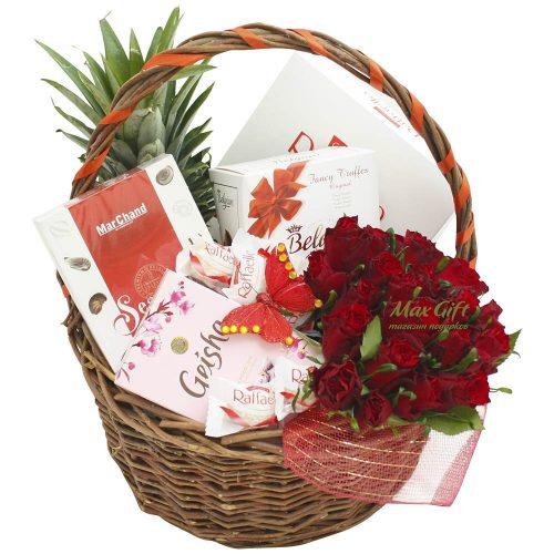 """Подарочная корзина с цветами """"Geisha"""""""