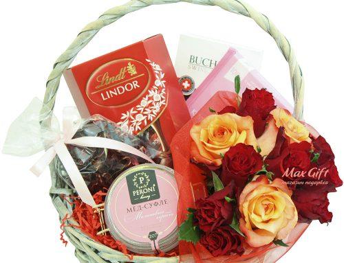 """Подарочная корзина """"Лепестки роз"""""""