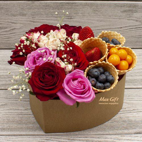 Подарочный набор с цветами и ягодами «Мисс Каприз»