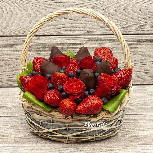 Фруктовый букет с цветами Радость вкуса