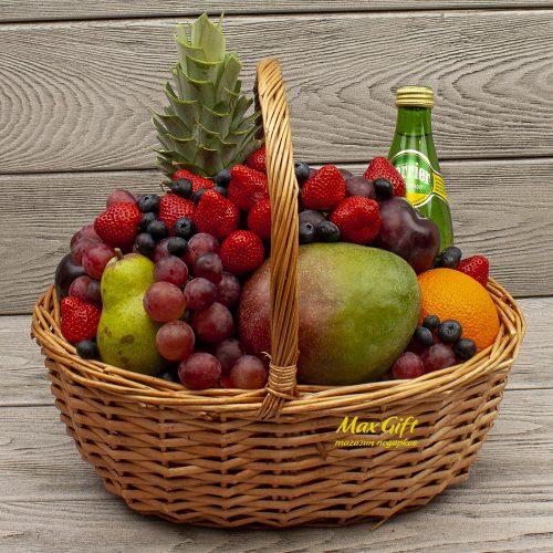 """Фруктовая корзина с ягодами """"Фруктовый вальс"""""""
