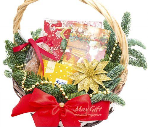 """Подарочная корзина """"Новогодний цветок"""""""