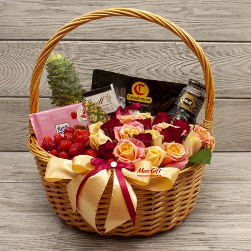 Подарочная корзина с цветами и фруктами «Долина»