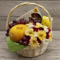 Подарочная корзина с фруктами и цветами «Натали»