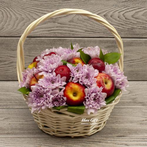 Композиция с цветами и фруктами «Летний микс»