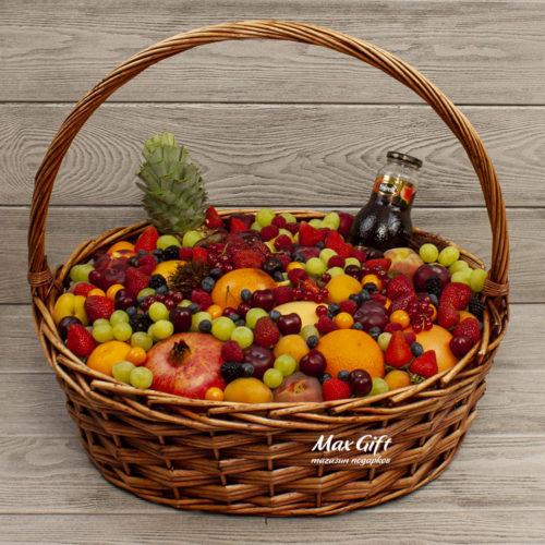 """Фруктовая корзина с ягодами """"Дары природы"""""""