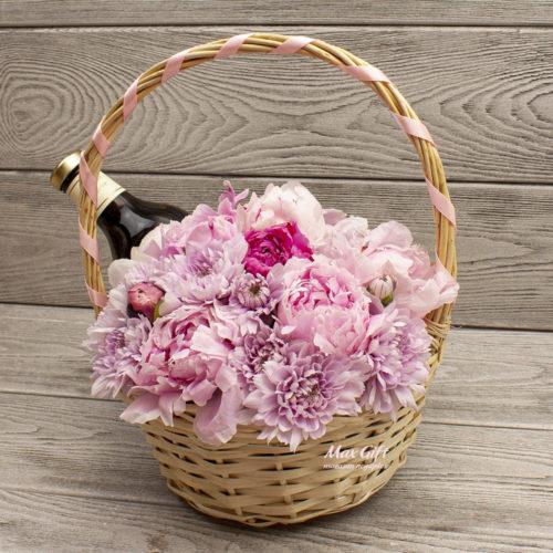 Подарочная корзина с цветами Любимой девушке