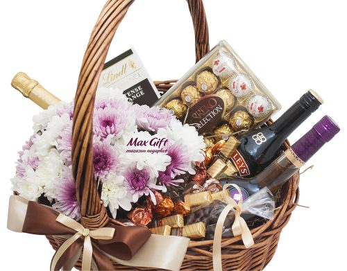 Подарочная корзина с цветами «Collection»