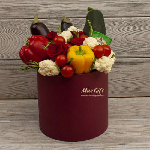 Овощная композиция с цветами «Лёгкий ужин»