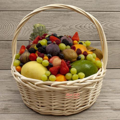 Фруктовая корзина с ягодами «Фруктовое чудо»