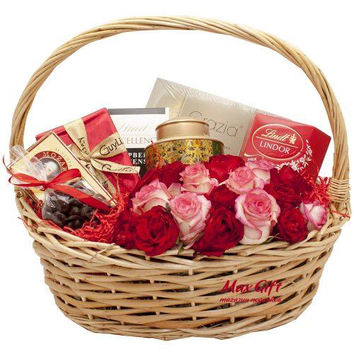 Подарочная корзина с цветами «Амур»