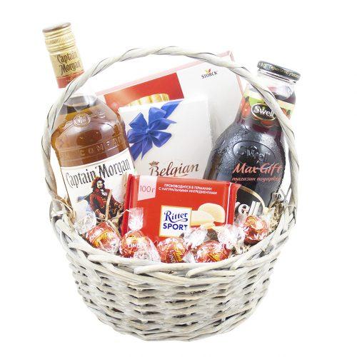 Подарочная корзина «Весёлая вишня»