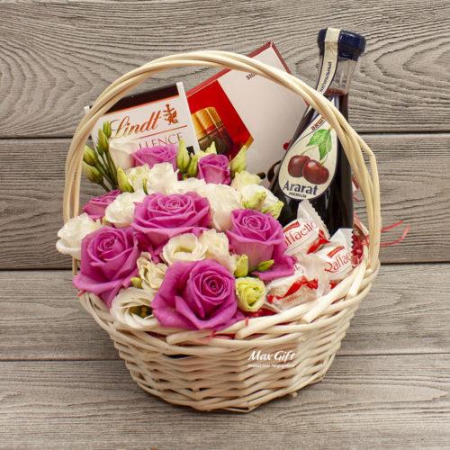Подарочная корзина с цветами «Сицилия»