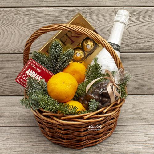 Подарочная корзина с фруктами «Куранты»