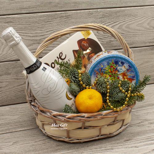 Подарочная корзина с фруктами «На Новый год»