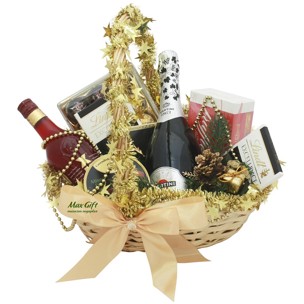 Новогодние подарки в корзине 20