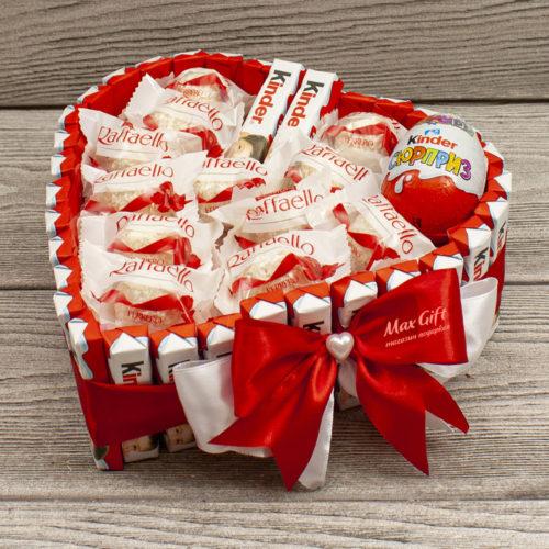 Торт из конфет Киндер Сюрприз От всего сердца