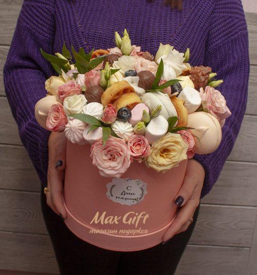 Подарочная композиция с цветами «На девичник»