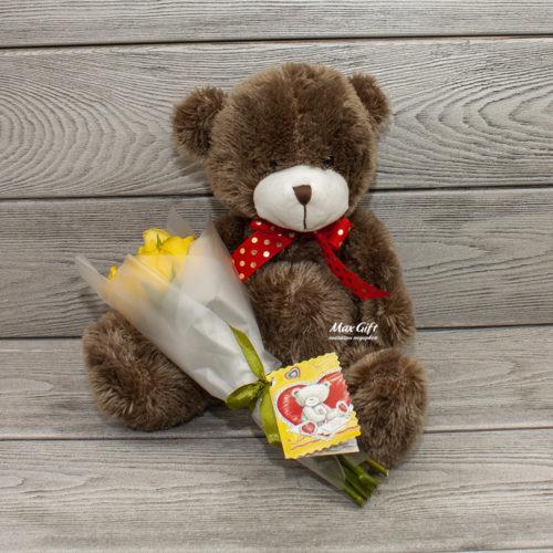 Подарочный набор с цветами Мишка