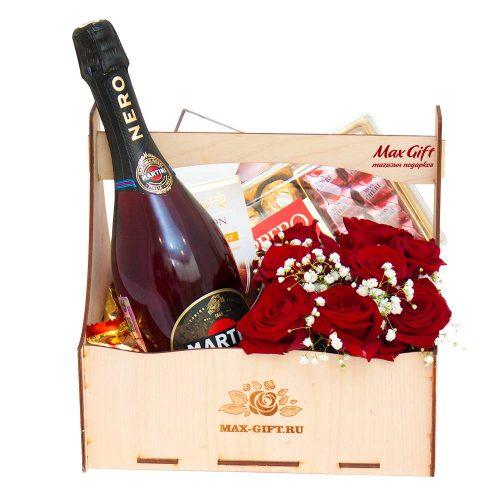 Подарочный набор c цветами «Mon Cheri»