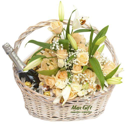 Подарочная корзина с цветами «Свадебный вальс»