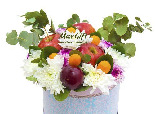 Композиция с цветами и фруктами «Весна»