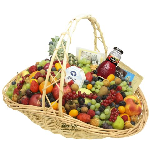 """Подарочная корзина с фруктами и ягодами """"Изобилие"""""""